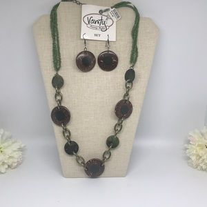Vanity Accessory Boutique necklace and earring set